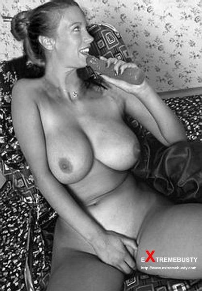 http://www.boobpedia.com/butler/images/e/ec/Chelsea_charms_before.jpg