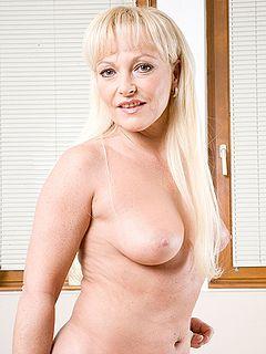 Stephanie mcmahon nip slips