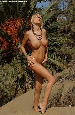 Jasmine La Rouge