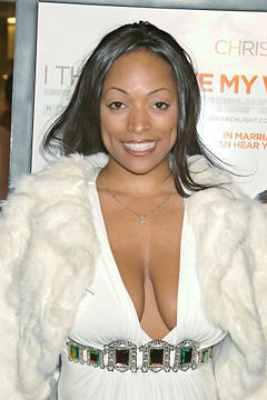 Kellita smith big Ts.jpg