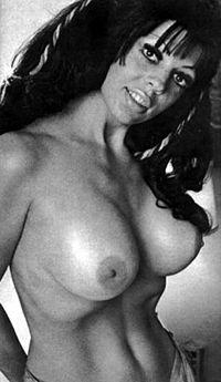 Morgana kissing bandit nude