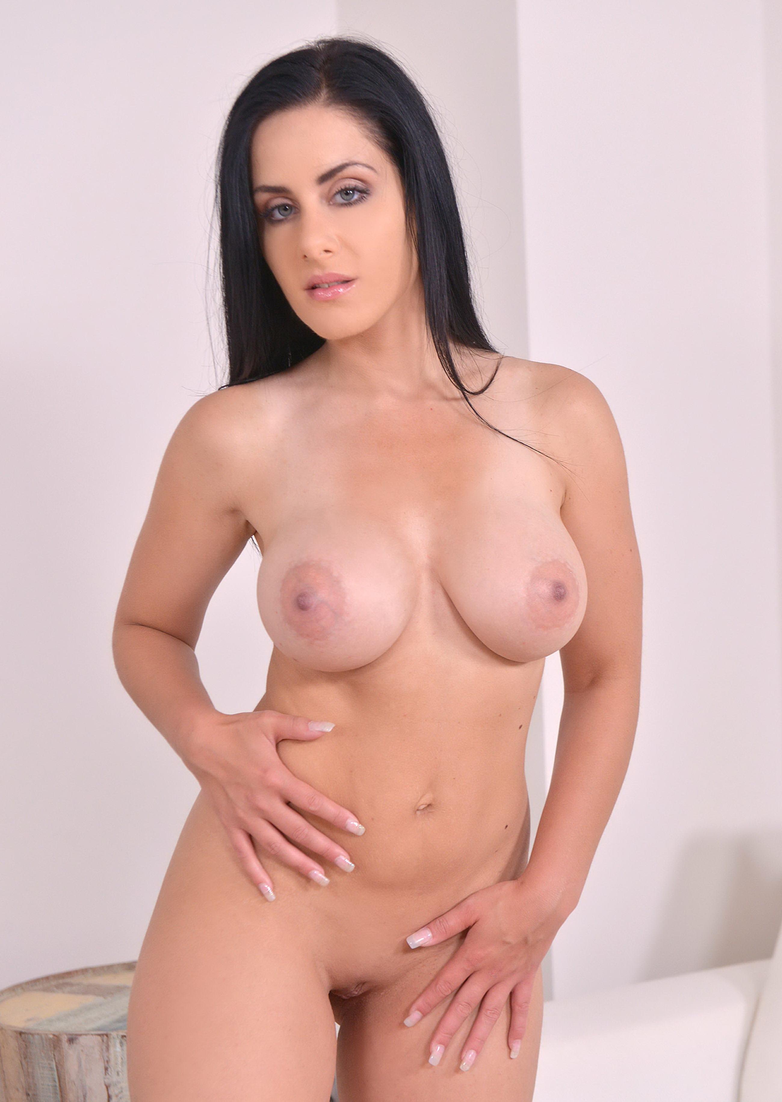 alex-black-porno-aktrisa