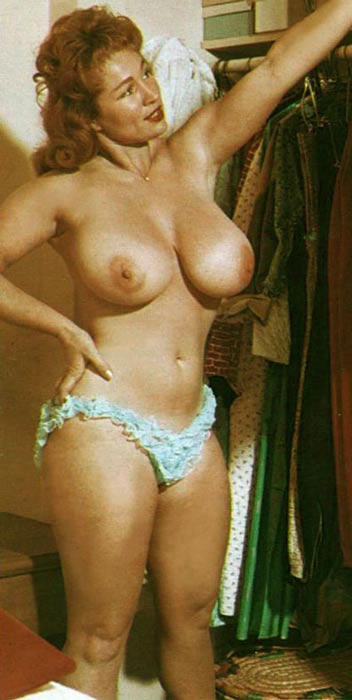 Free young saggy tits porn pics