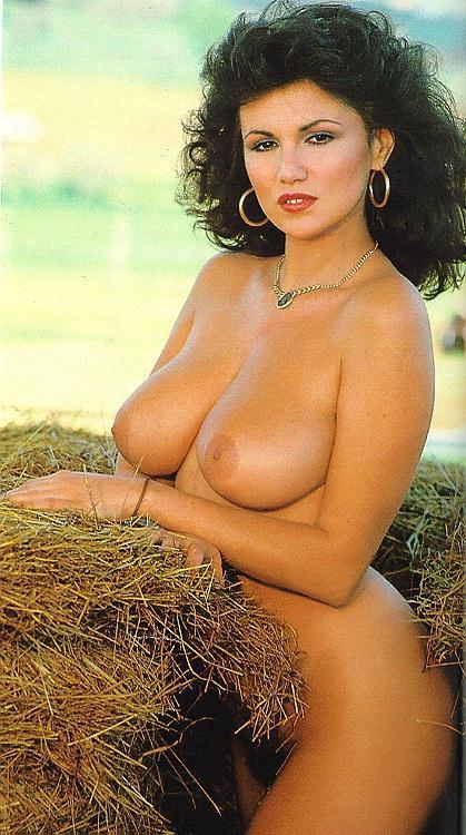 порно фото итальянских актрис певиц лет журналист