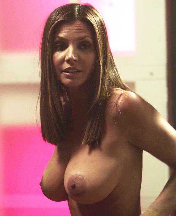 Charisma Carpenter Nuda Sex Scen