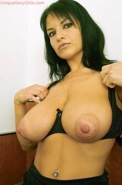 Sarah silverman boob size