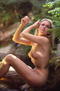Ursulaandress002.jpg