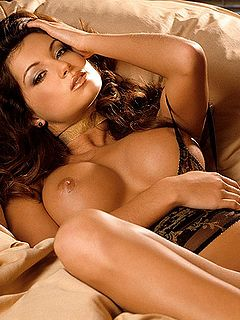 big brunette pussy tit