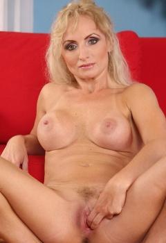 Kyra Blonde