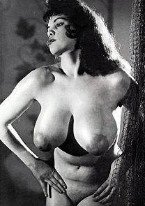 Hots Julie Davis Nude Images