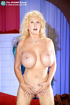 Diane diamonds anal
