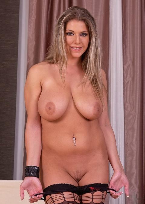 фото порно звезды сабина