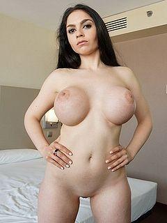 Croft marta nude la Marta La