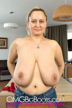 com boob OMG big