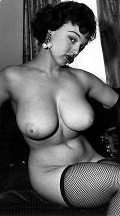 Lorraine Burnett - Boobpedia - Encyclopedia of big boobs