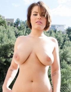 Amy tits