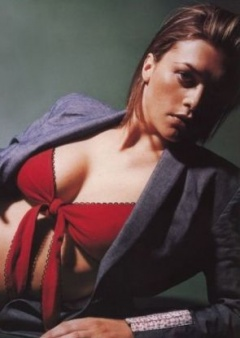 holly davidson - boobpedia - encyclopedia of big boobs