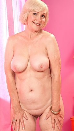 Hott Mature lola lee smoking