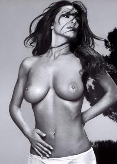 naked folliero nuda