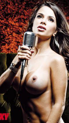 Sandy Capetinha Nude
