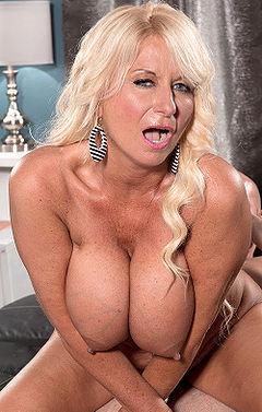 Sapphic erotica blonde lesbians
