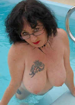 Naked Naked Bitches With Big Boobs Images