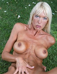 Noble hot milf bianca