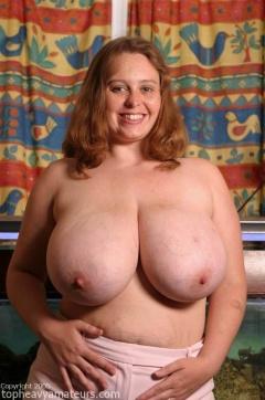 Amateur boob heavy