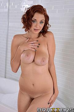 Jessica Robbin Boobs