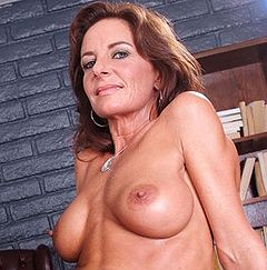 Mature granny betty 0616