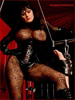 Lucy lawless dominatrix