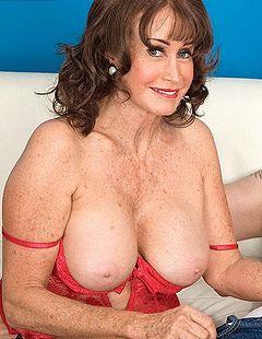 Pornstar naked boob