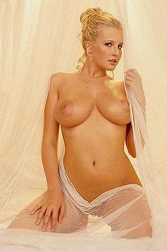 Jennifer coolidge stifler s mom nude