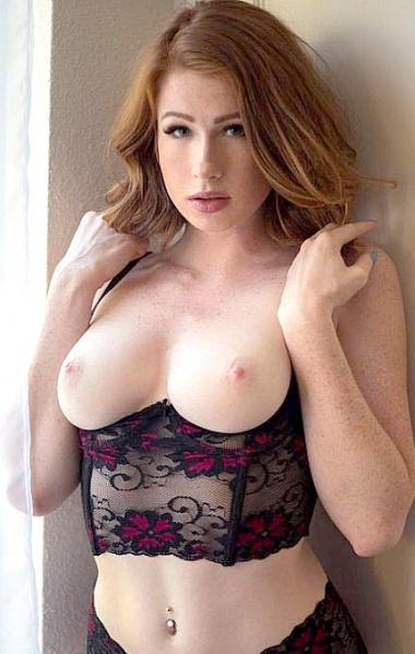 Angi Kroxx Nude